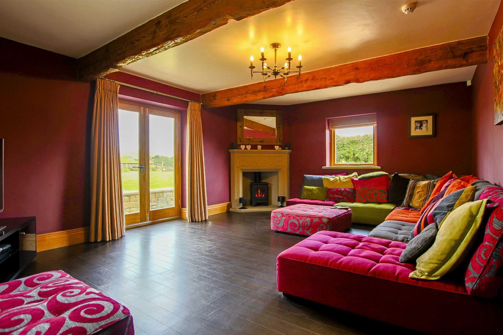 5 Bedroom Cottage For Sale - Image 2